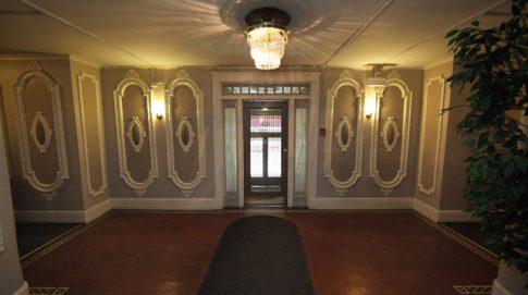 Berkely, Entrance, Lobby