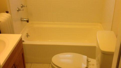 Oliver Court, Bathroom